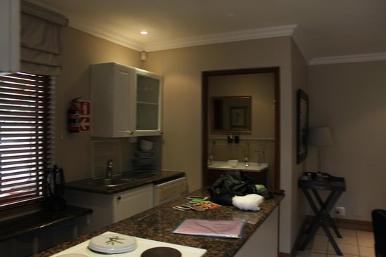 Bellgrove Guest House: kitchen