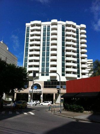 Mercure Botafogo Mourisco: Hotel von vorne