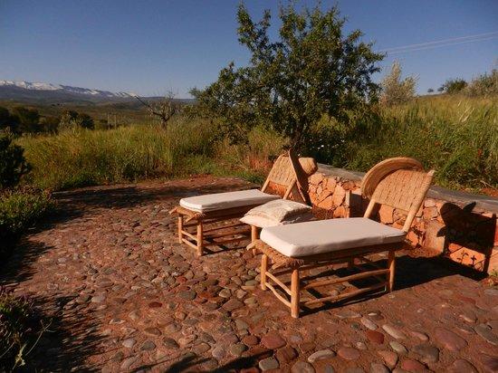Kasbah Timdaf : Sun terrace with Atlas mountains