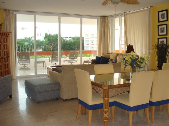 Residencias Reef Condos: great furniture