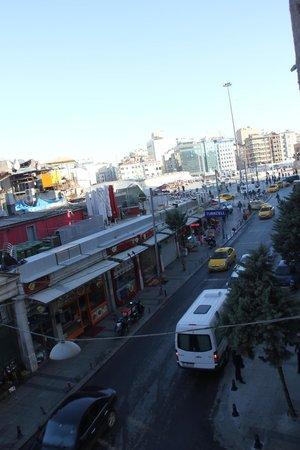 Alkoclar Istanbul Keban: vista da camera 203 su taksim square