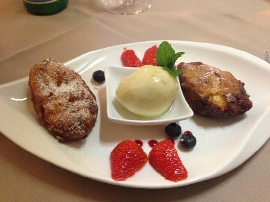 Hotel Domaine du Lac : dessert : beignet de broccio , sorbet au poire