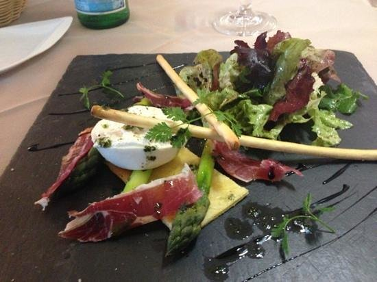Hotel Domaine du Lac : entrée Burrata asperges et jambon