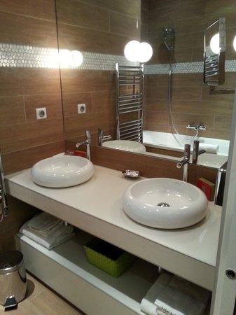 Bel Ami Hotel: Salle de bain