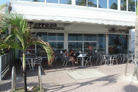 Portobelo Boulevard: Portobelo terraza, aqui se toma el desayuno