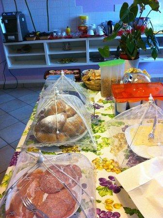 B&B Casazze Dream: Buffet colazione