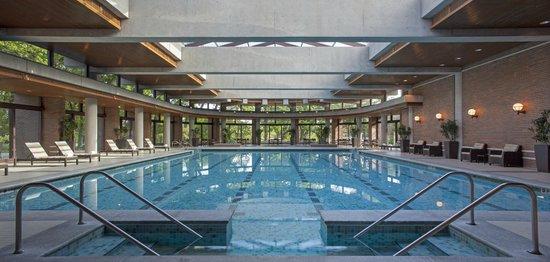 The Hyatt Lodge at McDonald's Campus: Indoor Pool Area