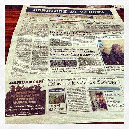Oberdan Cafe: giornali