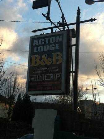 Acton Lodge Bed & Breakfast: Sign
