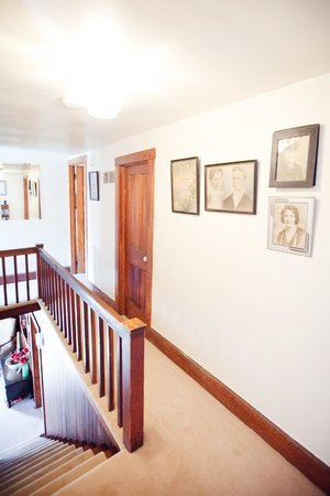 Royal Rose Inn Bed and Breakfast: Interior of The Royal Rose Inn
