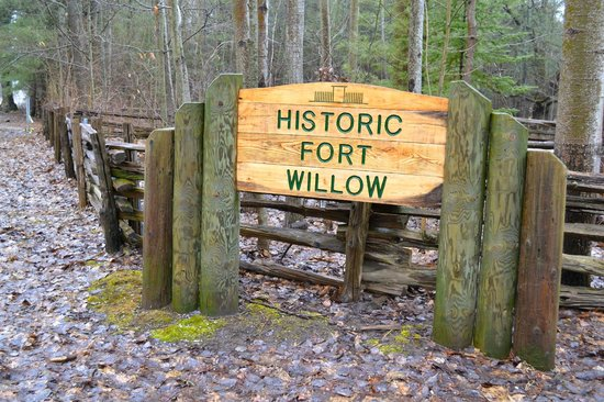 Historic Fort Willow: Welcome Sign