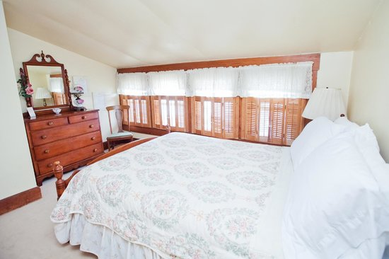 Royal Rose Inn Bed and Breakfast : Mauve Rose Bedroom