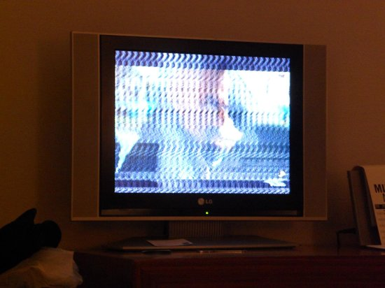 AC Hotel Palau de Bellavista: Bad tv reception for FIVE nights.
