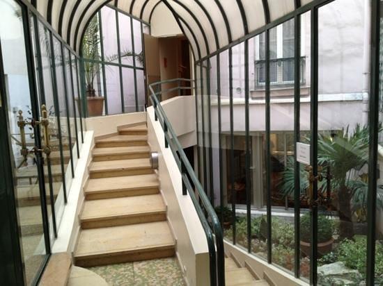Moulin Plaza Hotel : rooms' corridor