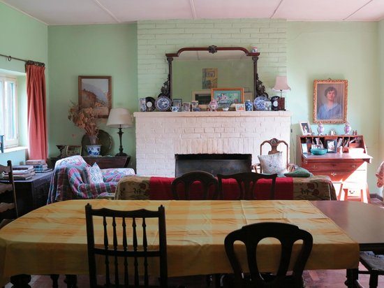 Andes Lands: One of the living rooms.