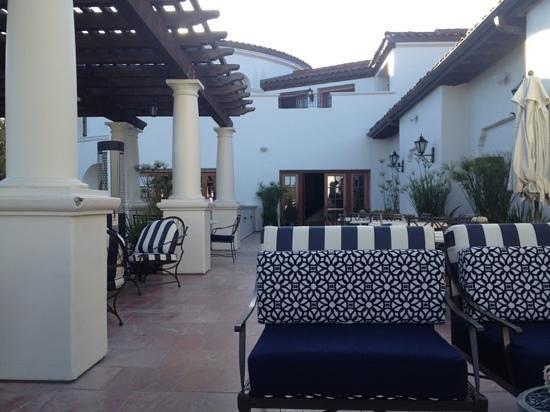 The Ritz-Carlton Bacara, Santa Barbara: lovely patio