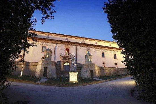 Villa Sgariglia Resort Campolungo: L'ingresso della villa
