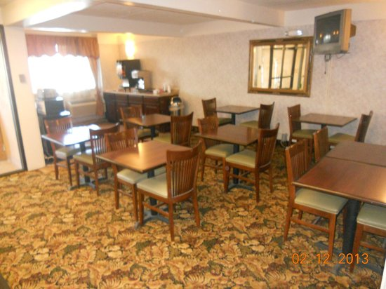 Budget Host Inn Mankato: Breakfast Area