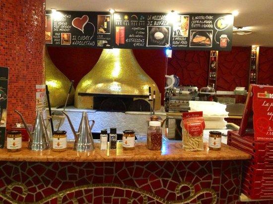 Rossopomodoro Afragola: pizzeria
