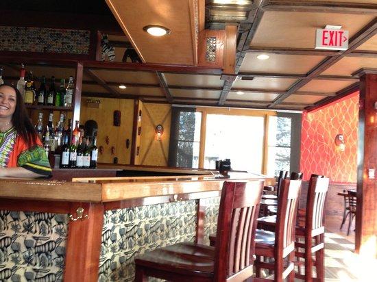 Karoo Restaurant: The pleasant interior and bar