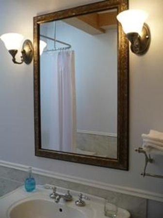 Le Sieur De Joliette: Salle de bain Hayden