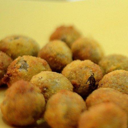 Villa Sgariglia Resort Campolungo: Le originali olive all'ascolana