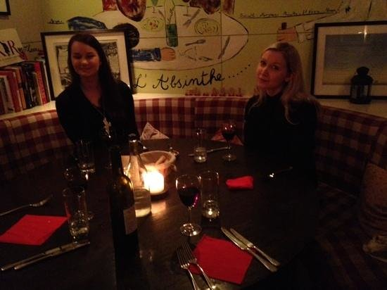 L'Absinthe: Our lovely ladies at this lovely restaurant