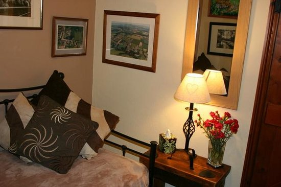 The Exe Valley Bed and Breakfast : Read, watch TV or play board games