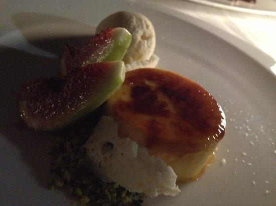 Otto Ristorante: BUFFALO RICOTTA BRULEE, BALSAMIC FIGS, PISTACHIOS, BUTTERMILK ICE CREAM - amazing!!!!