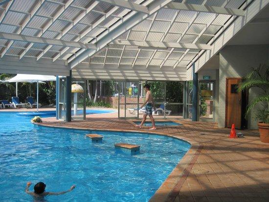 Broadwater Resort Apartments: Pool