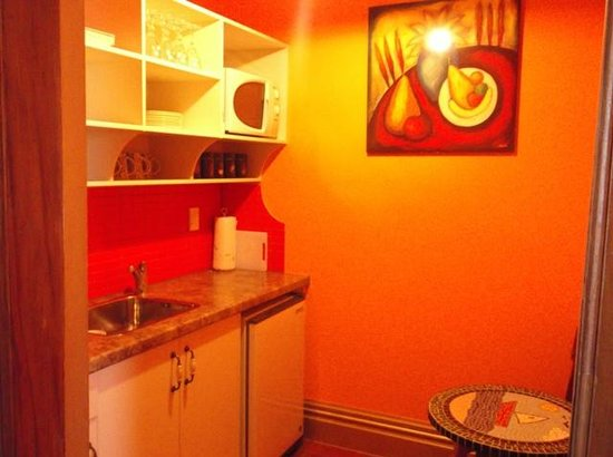 Sea Breeze Bed & Breakfast: Kitchen