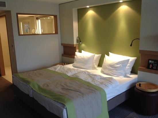 Silva Hotel Spa - Balmoral : chambre design, vue sur lac