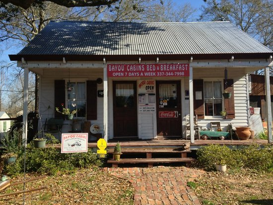 Bayou Cabins: Restaurant/ main building