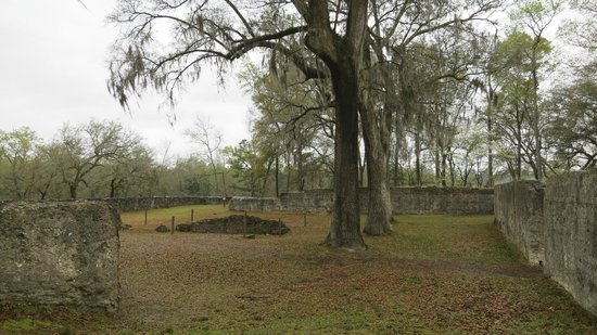 Colonial Dorchester State Historic Site : Tabby-walled fort - best preserved in the country