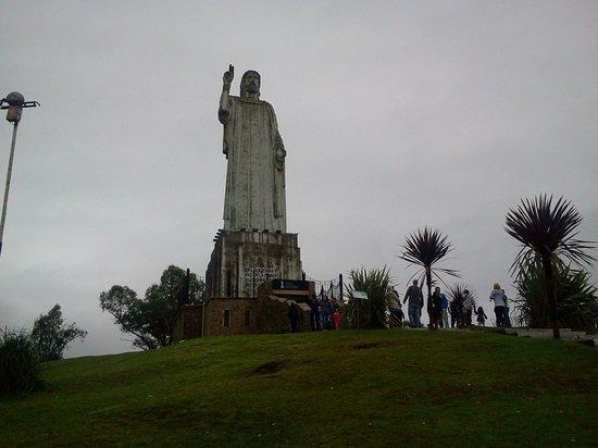 San Miguel de Tucuman, Argentina: Cristo Bendicente en la cima del cerro San Javier