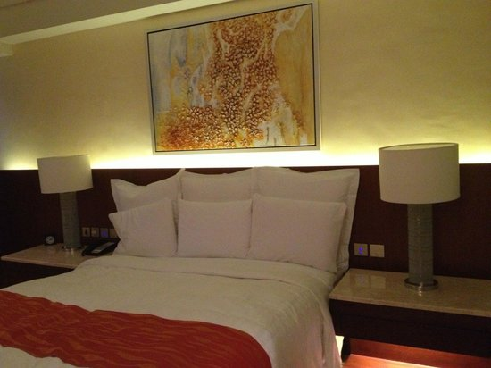 Manila Marriott Hotel: Bed