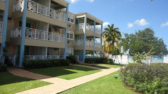Azul Beach Resort Sensatori Jamaica by Karisma: 3 story - nice niche feel ...