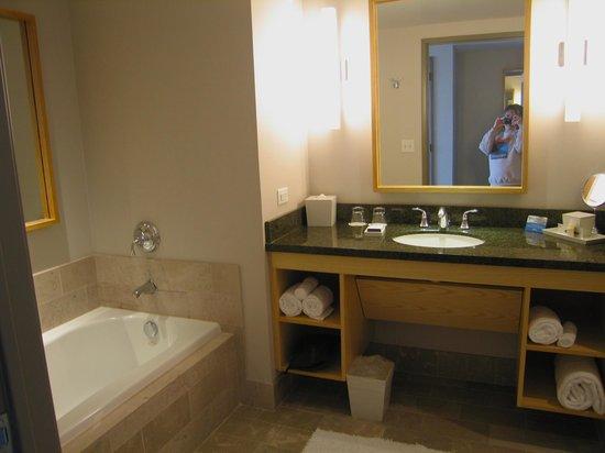 InterContinental The Clement Monterey: Bathroom