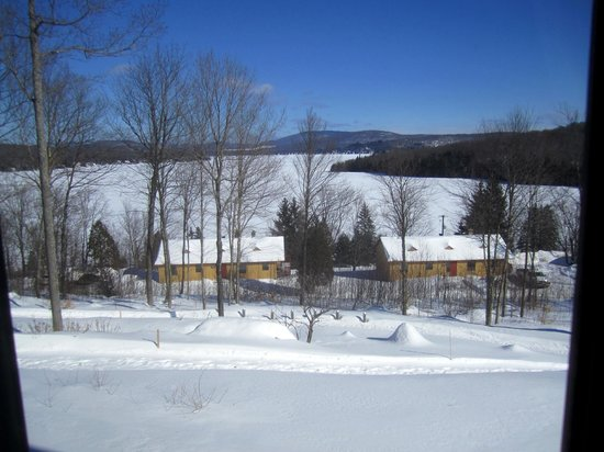 Auberge Duchesnay: lake view from #234