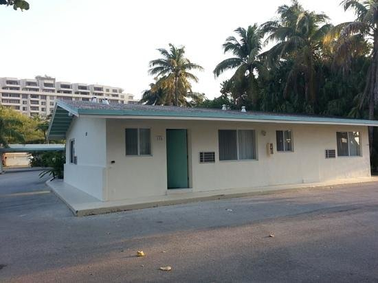 Silver Sands Beach Resort : isolated room 156