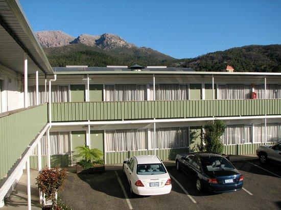 Mt Lyell Motor Inn: The Motel