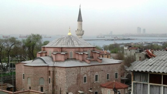 GLK PREMIER The Home Suites & Spa: View of Little Hagia Sophia from the Rooftop