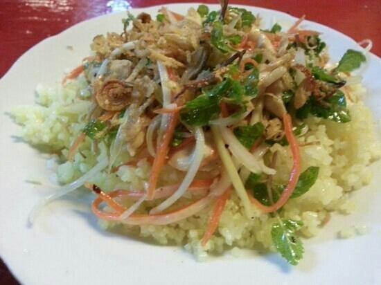 Chinh's Riverside Restaurant - Hoi An: shrimp and green papaya salad. delicious.