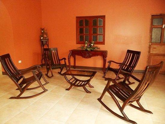 Hotel Leon del Sol: Lobby Area