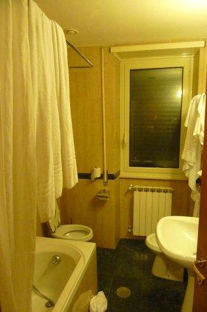 Hotel Santa Costanza: Μπάνιο