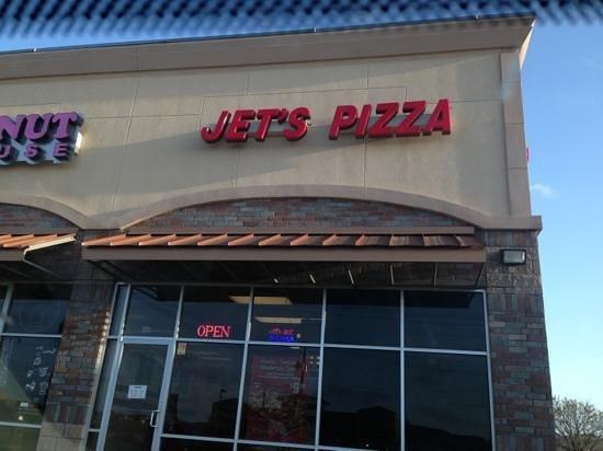 Jets pizza plano restaurant reviews phone number for Plano restaurante