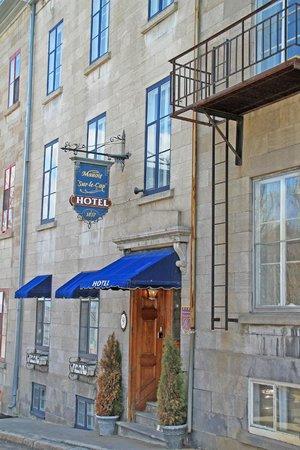 Manoir Sur-le-Cap: Hotel Facade