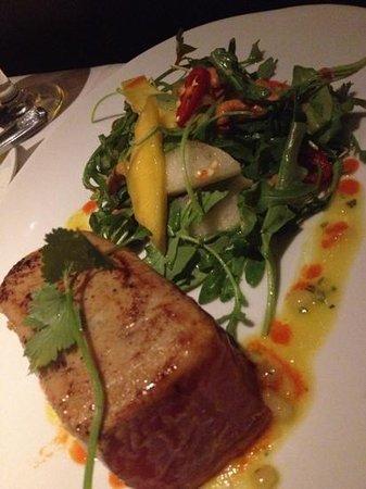 Eddie V's Prime Seafood: seared Ahi Tuna entree