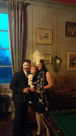 Domaine du Chateau de Mairy: masked party