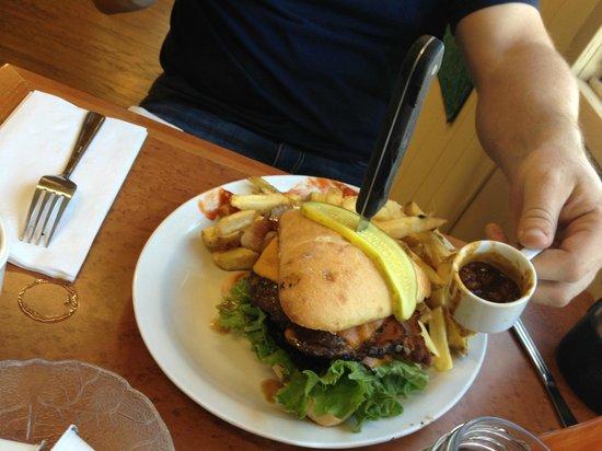High Five Diner: the big fort burger